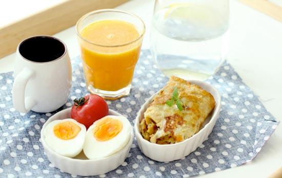 ¿Cómo se prepara un desayuno saludable?