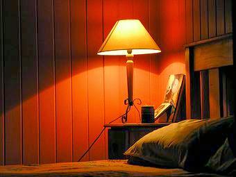 Consejos para comprar lamparas de mesita de noche vivir for Lampara de noche castorama