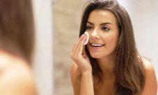 ¿Cómo desmaquillar la piel para que se mantenga saludable?